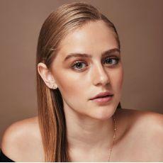Stud Earrings in 14K White Gold - Embracing Drop