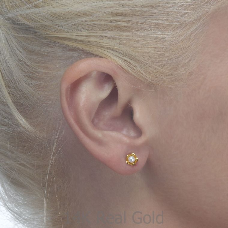 Gold Stud Earrings - Pearl & Flower
