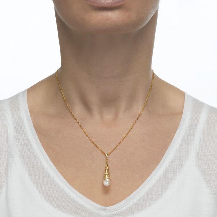 White Gold Pendant - Golden Pearl